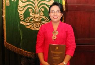 Promosi Doktor Roselina Panghiyangani