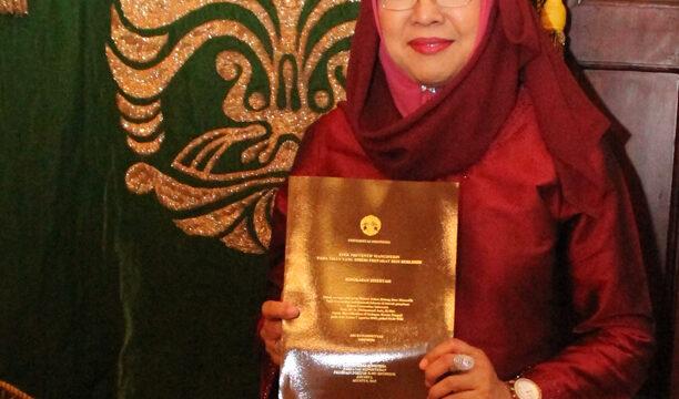 Promosi Doktor Ari Estuningtyas