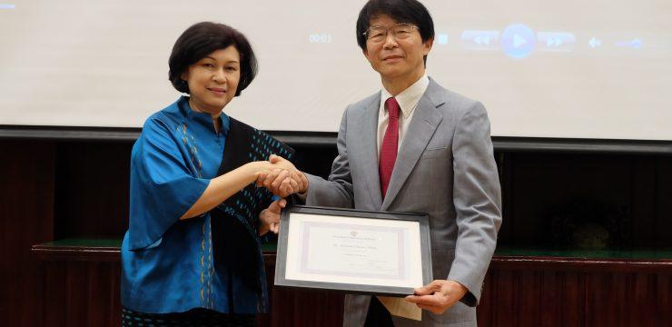 FKUI Beri Gelar Adjunct Professor kepada Pakar Bedah Tumor Kulit