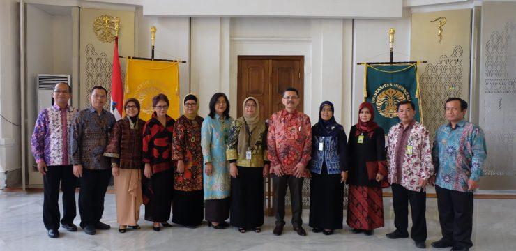 Dekan Lantik Manajer Umum dan 6 Ketua Departemen FKUI