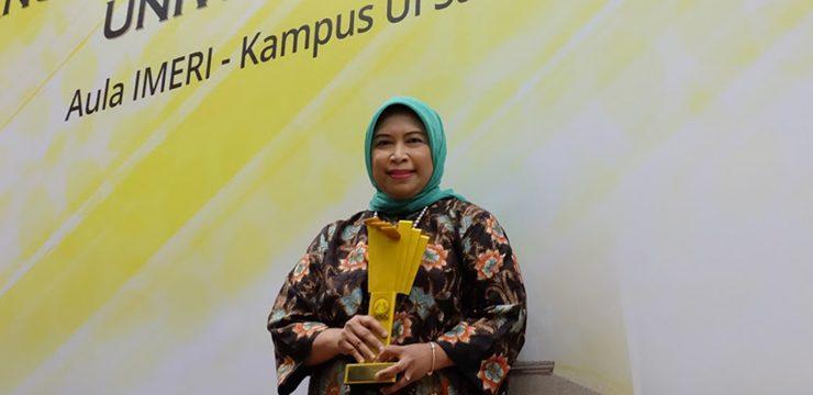 Alumni FKUI Terima Penghargaan Bidang Kesehatan