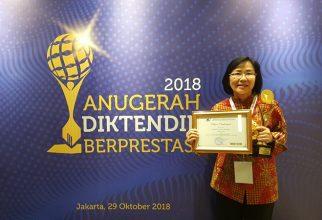 Septelia Inawati Wanandi, Dosen Terbaik Sainstek Anugerah Pendidik dan Tenaga Kependidikan Berprestasi 2018
