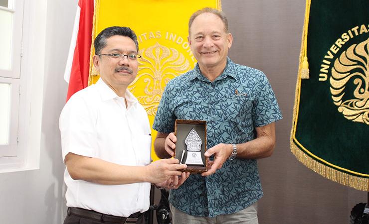 Pertemuan dengan Dr. Hoffman Shief dari Sanaria Inc (Amerika Serikat)