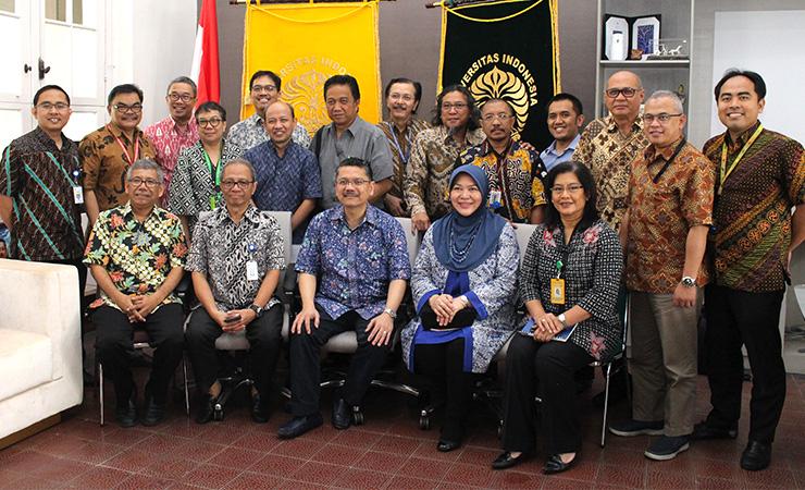 Pertemuan dengan Kolegium Ilmu Bedah