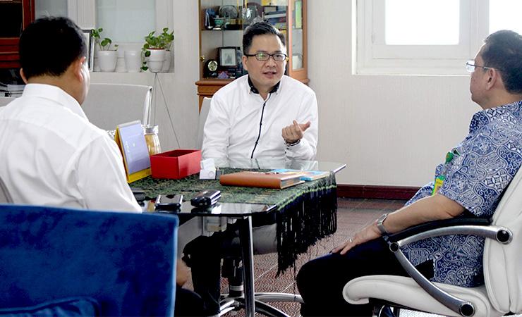 Pertemuan dengan dr. Bayu Prawira