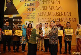 FKUI Kembali Raih Juara Umum Ajang Diktendik Award UI