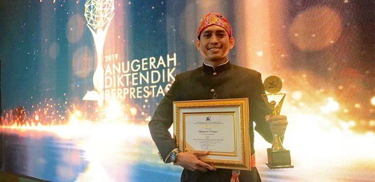 Syepriyanto Endrizal Raih Juara 1 Ajang Anugerah Pendidik dan Tenaga Kependidikan Berprestasi 2019