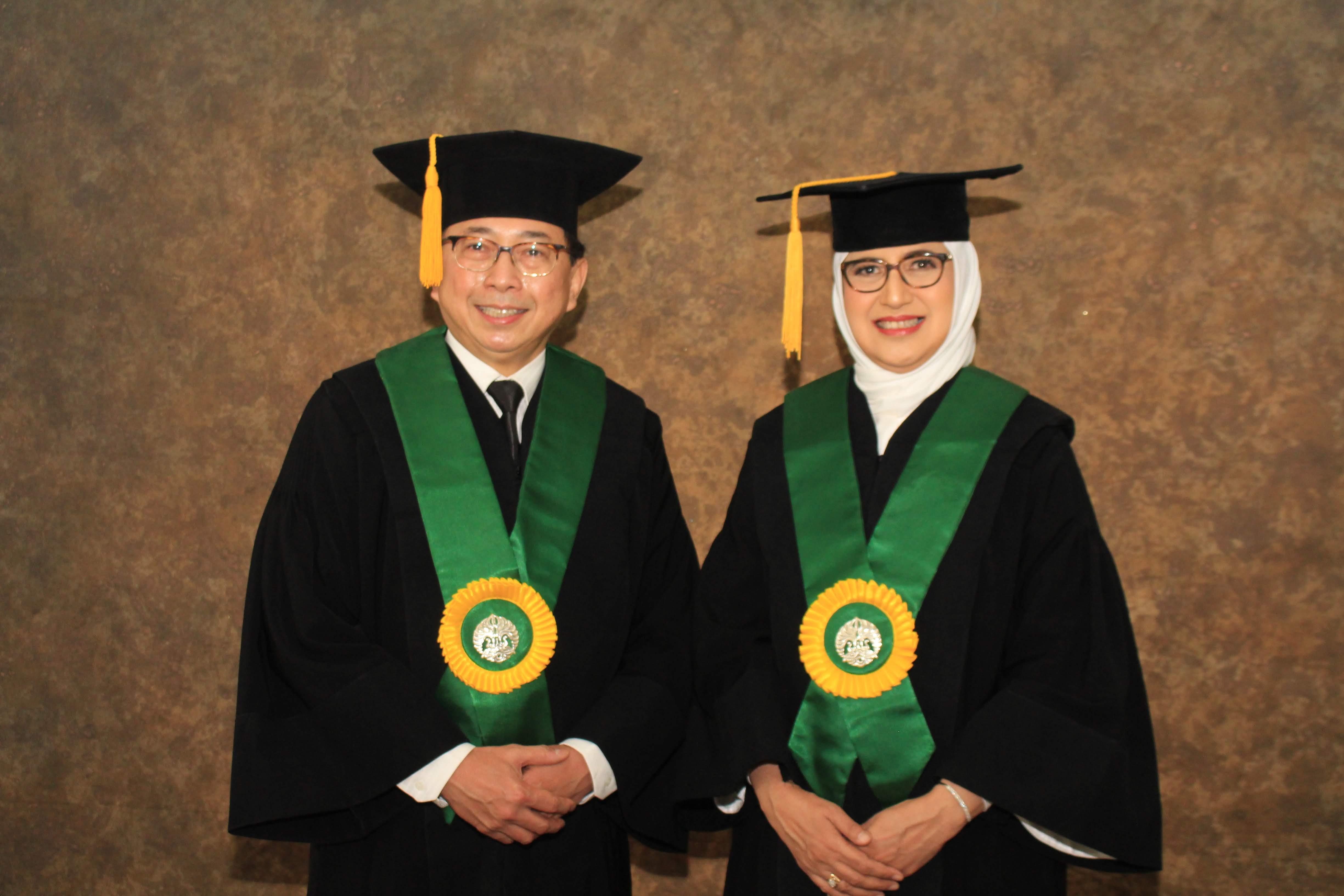 Upacara Pengukuhan Guru Besar Tetap UI Prof. Dr. dr. Rino Alvani Gani, Sp.PD-KGEH dan Prof. Dr. dr. Iris Rengganis, Sp.PD-KAI