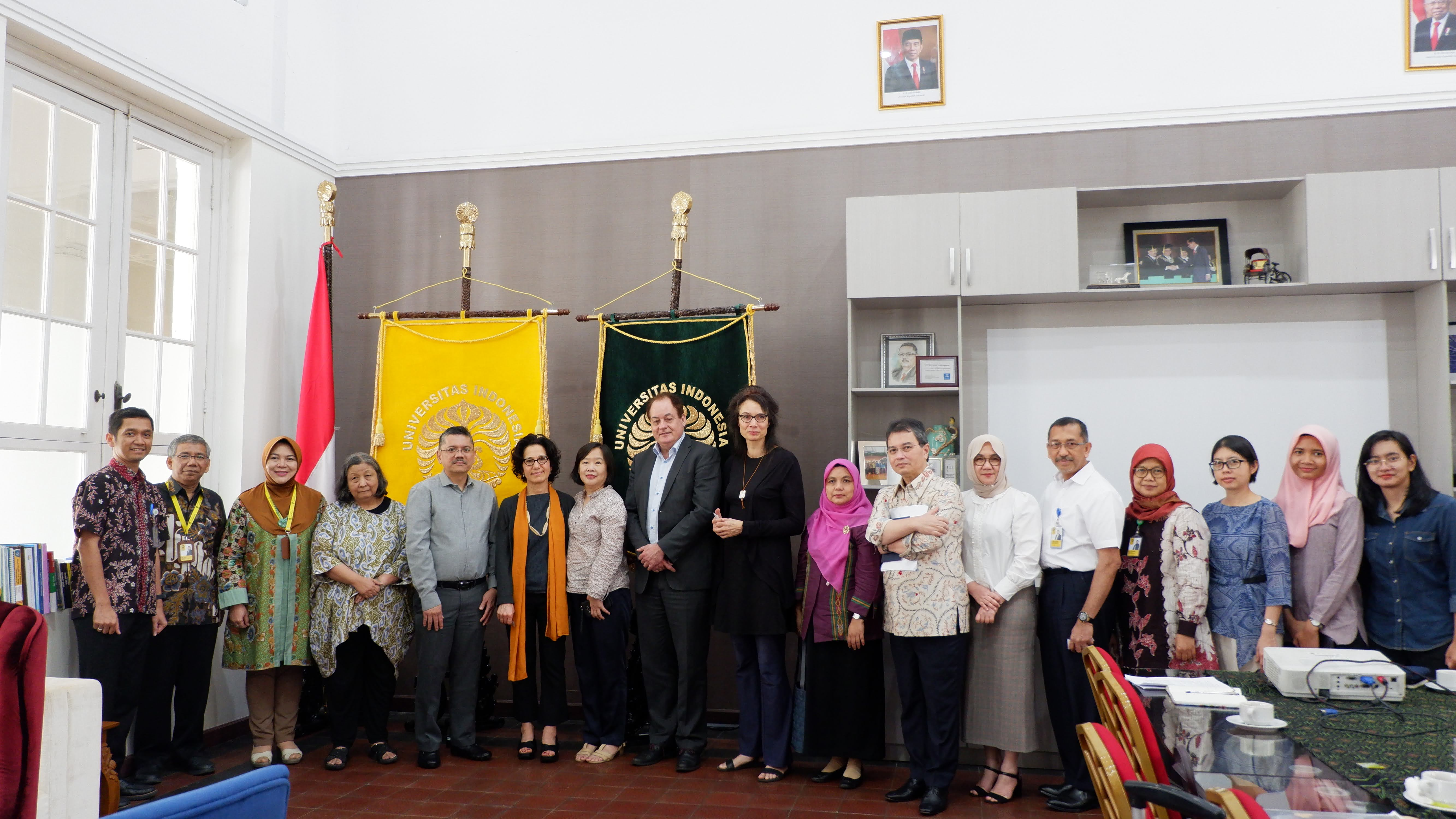 Pertemuan dengan Dekan LUMC dan Prof Maria