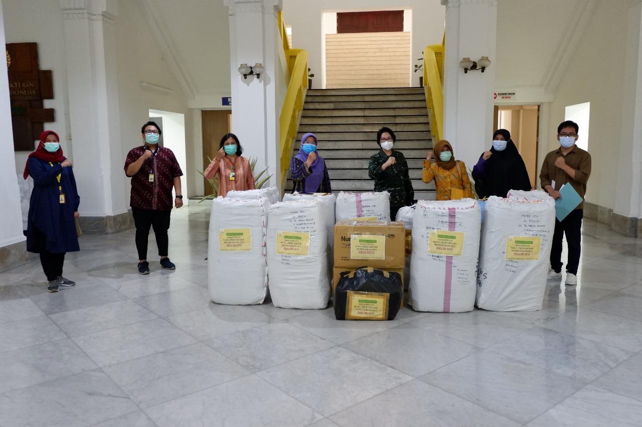 Penyerahan Donasi dari ILUNI