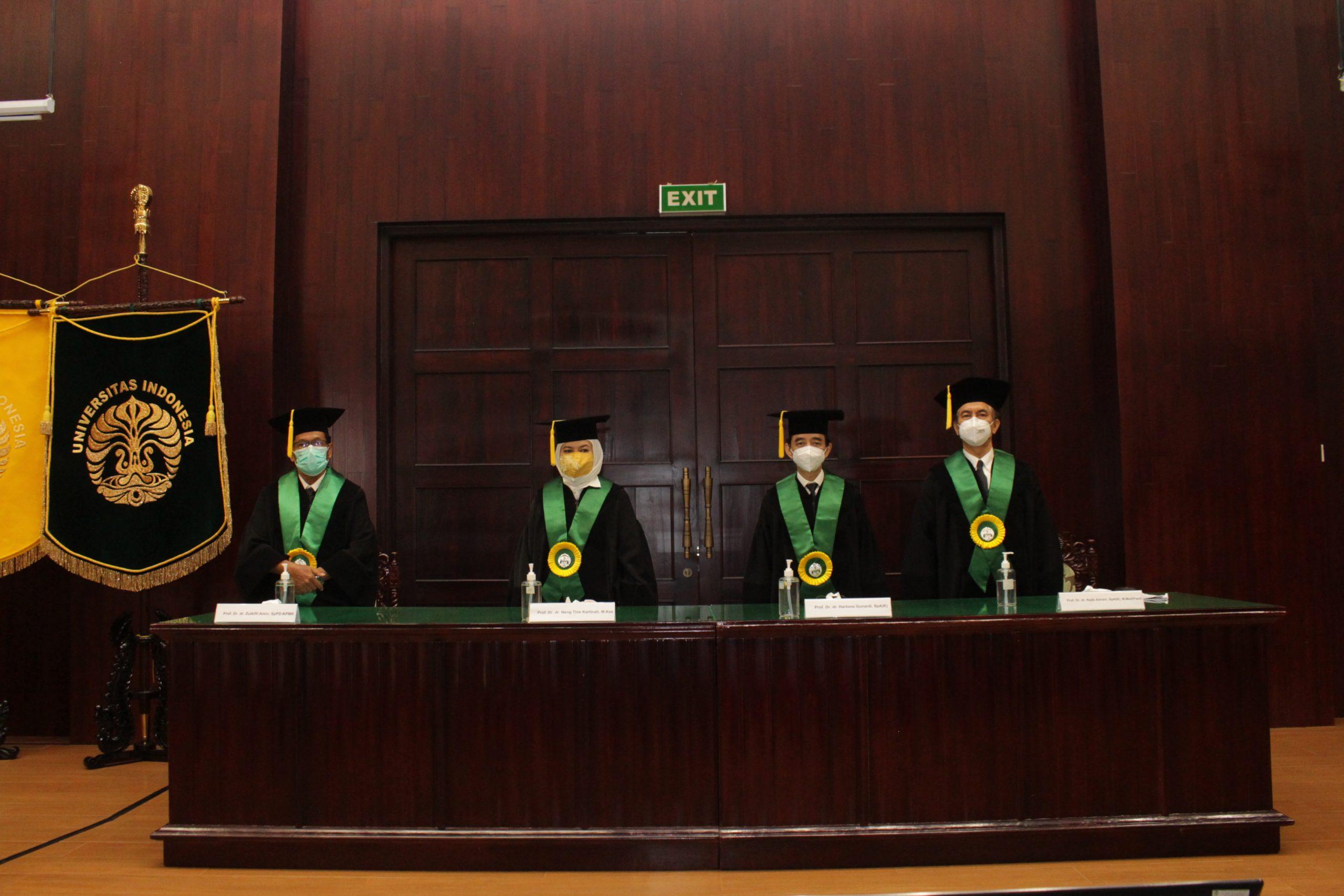 Pengukuhan Guru Besar Prof. Dr. dr. Zulkifli Amin, SpPD-KPMK, Prof. Dr. dr. Neng Tine Kartinah, M.Kes, Prof. Dr. dr. Hartono Gunardi, SpA(K)