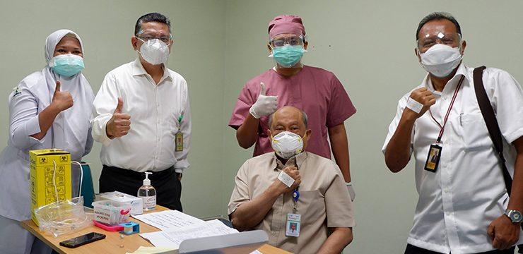 Vaksinasi Guru Besar FKUI di RSCM Kiara